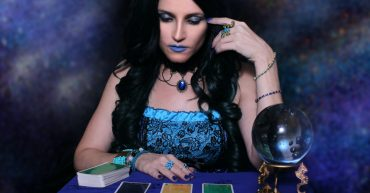 The Anatomy of a Psychic Reading - The Psychic School
